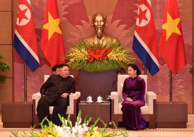 Toàn cảnh chuyến thăm chính thức Việt Nam của Chủ tịch Kim Jong Un qua ảnh - Ảnh 5.