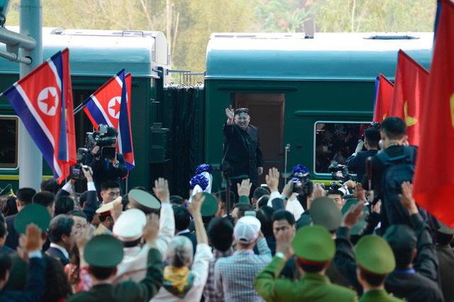 Toàn cảnh chuyến thăm chính thức Việt Nam của Chủ tịch Kim Jong Un qua ảnh - Ảnh 14.