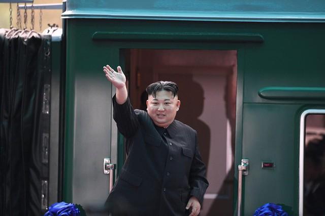 Toàn cảnh chuyến thăm chính thức Việt Nam của Chủ tịch Kim Jong Un qua ảnh - Ảnh 16.