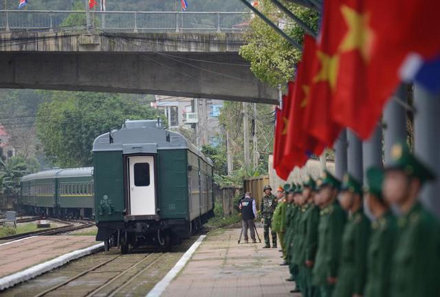 Toàn cảnh chuyến thăm chính thức Việt Nam của Chủ tịch Kim Jong Un qua ảnh - Ảnh 17.