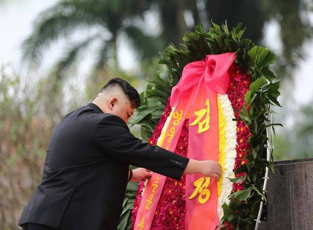 Toàn cảnh chuyến thăm chính thức Việt Nam của Chủ tịch Kim Jong Un qua ảnh - Ảnh 6.