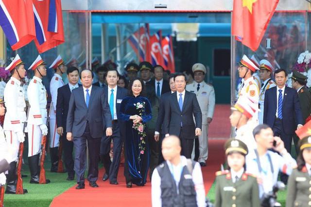 Toàn cảnh chuyến thăm chính thức Việt Nam của Chủ tịch Kim Jong Un qua ảnh - Ảnh 12.