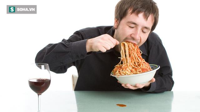 Ăn nhanh hoặc chậm đều gây ra nhiều vấn đề sức khỏe: Một bữa ăn nên kéo dài trong bao lâu? - Ảnh 1.