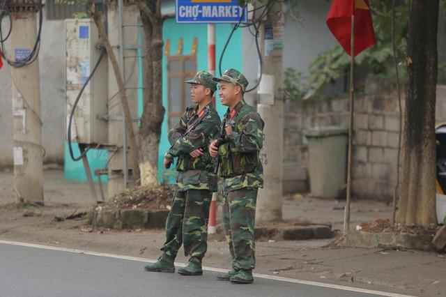 Cận cảnh dàn xe bọc thép tại ga Đồng Đăng trước giờ Chủ tịch Kim Jong-un rời Việt Nam  - Ảnh 8.