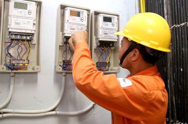 TS Nguyễn Đức Thành: Giá điện Việt Nam tăng nhanh hơn mặt hàng khác - Ảnh 2.