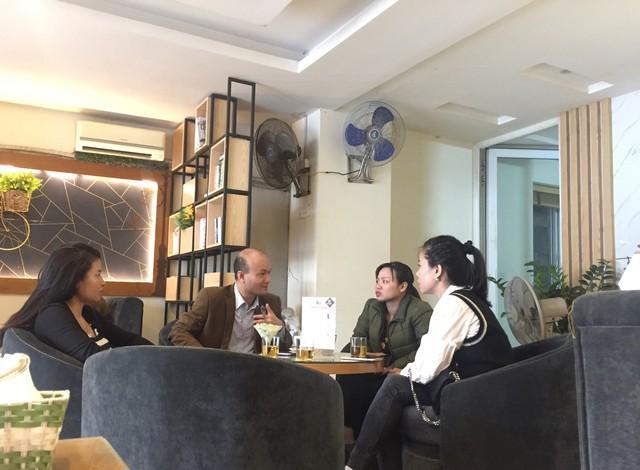 Đất tăng giá 50%, cả huyện Vân Đồn bàn chuyện đất đai - Ảnh 2.