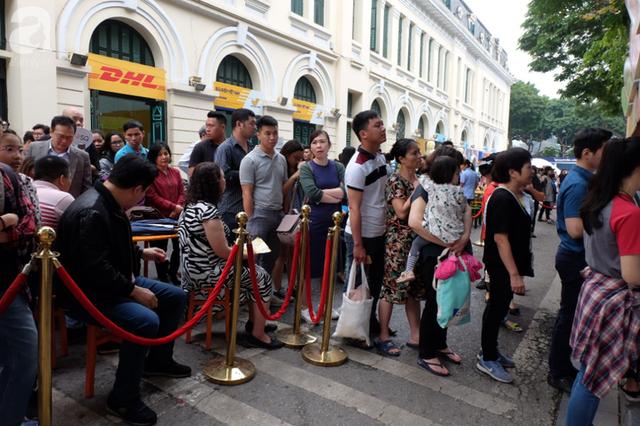 Quán ăn sao Michelin rẻ nhất thế giới đến Hà Nội: Giá chỉ 30 ngàn, khách xếp hàng dài trên phố Lê Thạch đợi mua - Ảnh 4.
