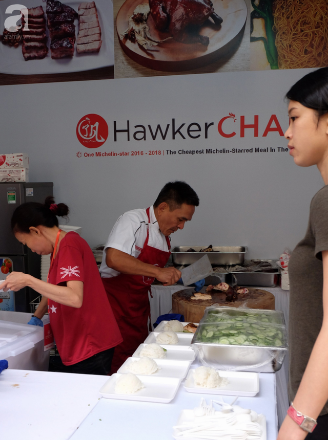 Quán ăn sao Michelin rẻ nhất thế giới đến Hà Nội: Giá chỉ 30 ngàn, khách xếp hàng dài trên phố Lê Thạch đợi mua - Ảnh 6.