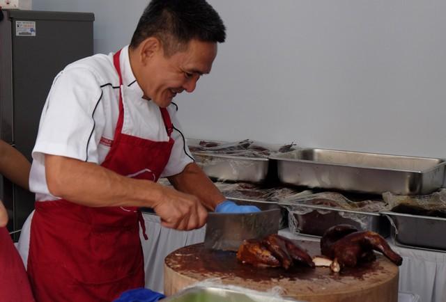 Quán ăn sao Michelin rẻ nhất thế giới đến Hà Nội: Giá chỉ 30 ngàn, khách xếp hàng dài trên phố Lê Thạch đợi mua - Ảnh 9.