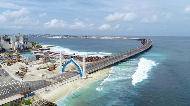 Chìm trong 'núi' nợ vì tham gia vào Sáng kiến Vành đai và Con đường, Maldives loay hoay tìm cách thoát khỏi bi kịch bị Trung Quốc 'bòn rút - Ảnh 2.