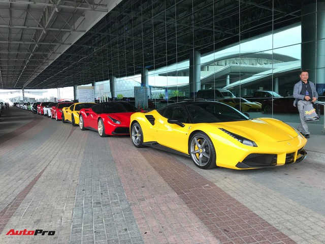 Dàn siêu xe triệu USD khoe dáng trước ngày triển lãm lớn nhất Đông Nam Á khai mạc - Ảnh 3.