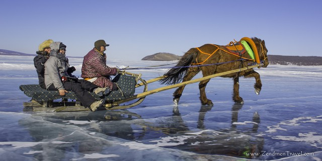 Lễ hội trên hồ đóng băng kỳ lạ của người Mông Cổ: Lạnh kinh hoàng nhưng đẹp đến mê mẩn - Ảnh 6.