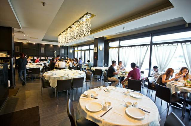 """Doanh nhân Việt """"mang Sài Gòn đến Canada"""": Từ phụ bếp, bồi bàn đến chủ chuỗi nhà hàng lớn ở Richmond Hill - Ảnh 2."""