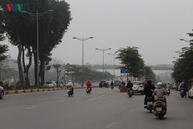 Hà Nội: 4 gầm cầu bị tuýt còi dừng trông giữ phương tiện vẫn hoạt động - Ảnh 17.