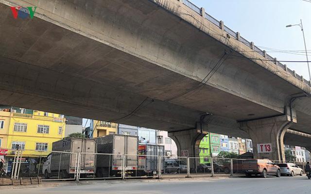 Hà Nội: 4 gầm cầu bị tuýt còi dừng trông giữ phương tiện vẫn hoạt động - Ảnh 5.