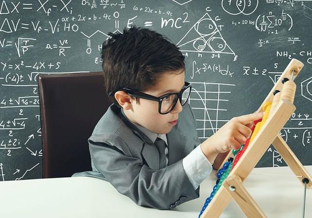 Bỏ đi những khuôn mẫu, khuyến khích trẻ đối mặt với thử thách: Cha mẹ muốn trẻ trở thành tỷ phú Bill Gates tiếp theo nhất định phải biết 4 điều đặc biệt này khi dạy con - Ảnh 3.