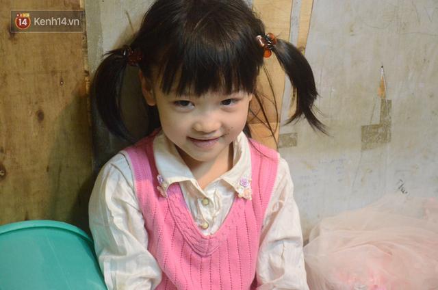 Gặp bé gái 6 tuổi phối quần áo cũ cực chất ở Hà Nội: Nhút nhát, đáng yêu và ước mơ làm người mẫu - Ảnh 12.
