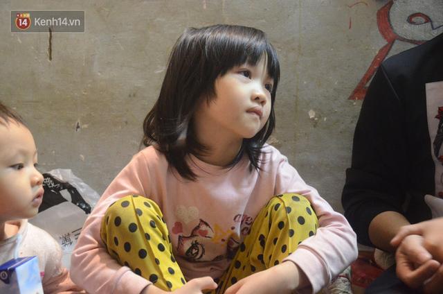 Gặp bé gái 6 tuổi phối quần áo cũ cực chất ở Hà Nội: Nhút nhát, đáng yêu và ước mơ làm người mẫu - Ảnh 3.