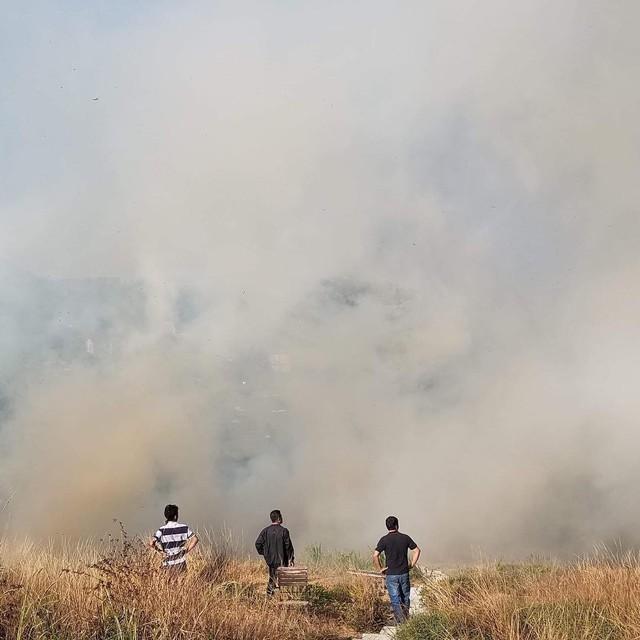Homestay nổi tiếng nhất nhì ở Đà Lạt bị cháy lớn, nhiều du khách hoảng loạn - Ảnh 3.