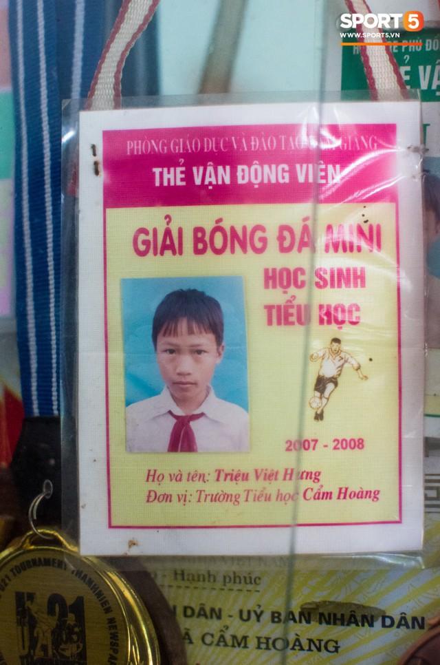Hành trình từ người thừa trở thành người hùng của tiền vệ U23 Việt Nam qua những kỷ vật vô giá - Ảnh 4.
