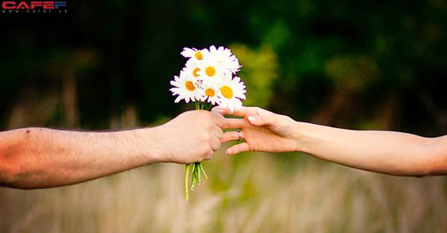 3 người quan trọng bạn nhất định phải tìm thấy trong đời để KẾT GIAO, làm được thì chẳng mấy mà công việc thăng hoa, cuộc sống hạnh phúc - Ảnh 1.