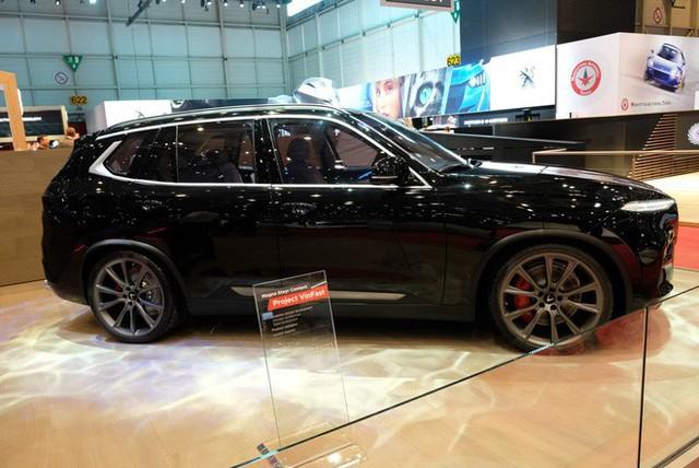 Bóc tách trang bị hàng hiệu trên VinFast Lux V8 vừa ra mắt - Ảnh 6.