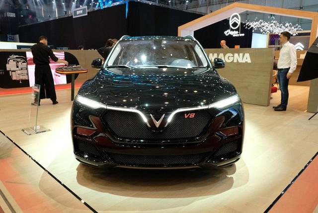 Bóc tách trang bị hàng hiệu trên VinFast Lux V8 vừa ra mắt - Ảnh 8.