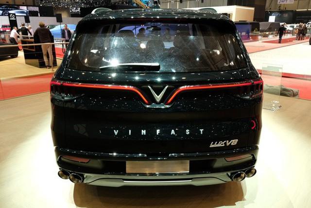 Bóc tách trang bị hàng hiệu trên VinFast Lux V8 vừa ra mắt - Ảnh 9.