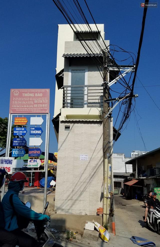 Cuộc sống bên trong những căn nhà siêu mỏng ở Sài Gòn, chiều ngang còn ngắn hơn sải tay người lớn - Ảnh 2.
