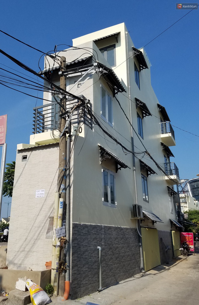 Cuộc sống bên trong những căn nhà siêu mỏng ở Sài Gòn, chiều ngang còn ngắn hơn sải tay người lớn - Ảnh 3.