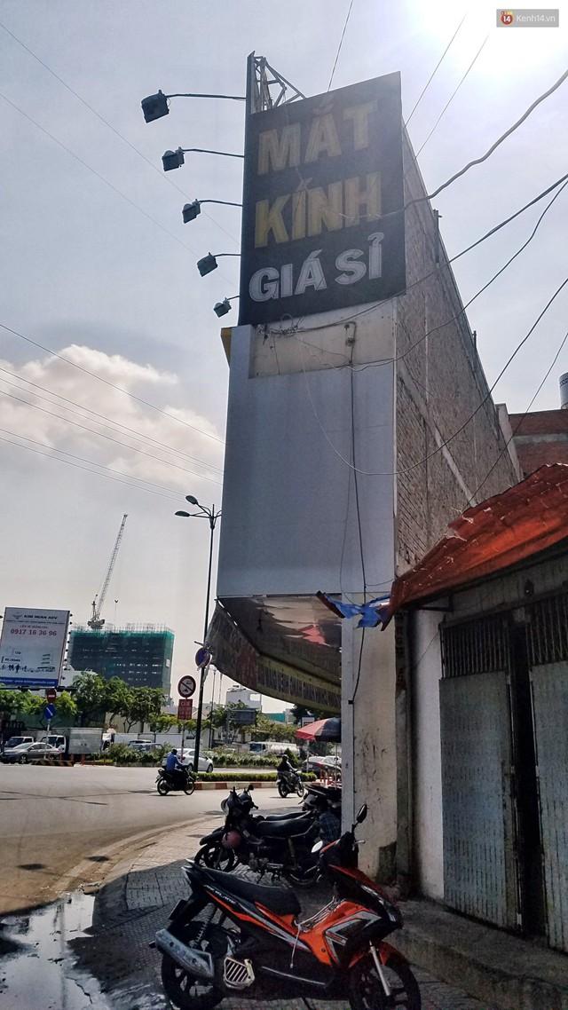 Cuộc sống bên trong những căn nhà siêu mỏng ở Sài Gòn, chiều ngang còn ngắn hơn sải tay người lớn - Ảnh 4.