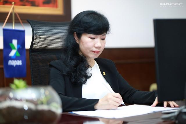 Chủ tịch Napas Nguyễn Tú Anh: Hãy vượt qua giới hạn của bản thân, cứ chân thành và đam mê thì thành công ắt sẽ đến - Ảnh 14.