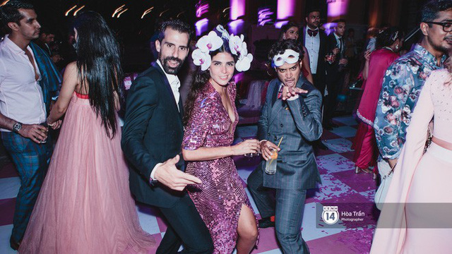 Cặp đôi tỷ phú Ấn Độ lộng lẫy cùng các khách mời đại gia vào đêm tiệc Pink Party đầu tiên ở Phú Quốc - Ảnh 23.