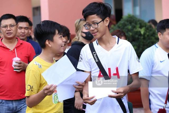 Cập nhật sự kiện có mặt David Beckham tại Việt Nam: Nam cầu thủ nước Anh đã xuất hiện, di chuyển âm thầm tránh sự chú ý từ khán giả - Ảnh 14.