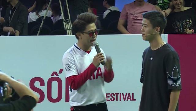 Cập nhật sự kiện có mặt David Beckham tại Việt Nam: Nam cầu thủ nước Anh đã xuất hiện, di chuyển âm thầm tránh sự chú ý từ khán giả - Ảnh 7.
