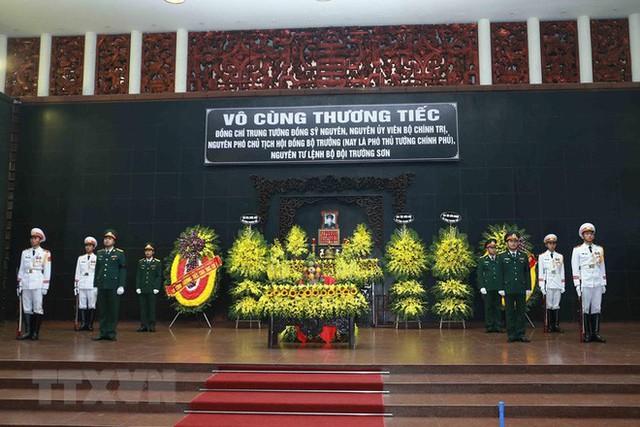 Hình ảnh các vị lãnh đạo viếng Trung tướng Đồng Sỹ Nguyên - Ảnh 1.
