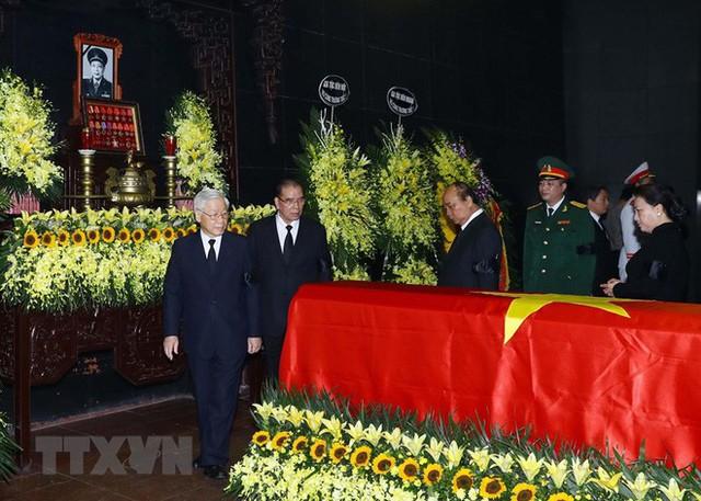 Hình ảnh các vị lãnh đạo viếng Trung tướng Đồng Sỹ Nguyên - Ảnh 5.