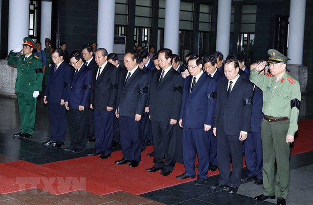 Hình ảnh các vị lãnh đạo viếng Trung tướng Đồng Sỹ Nguyên - Ảnh 6.