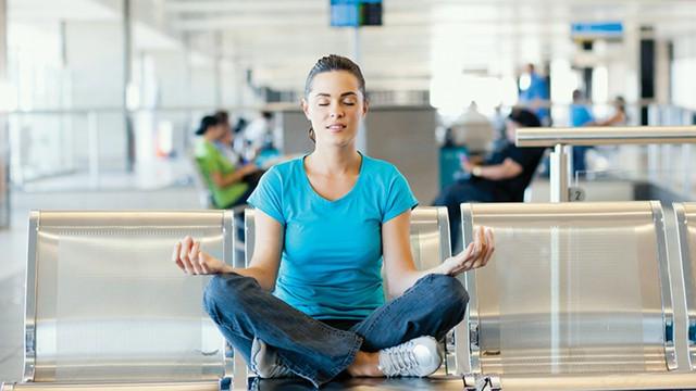 *Nói không với xô bồ, mệt mỏi mùa du lịch: Chỉ 10 phút thiền mỗi ngày để tận hưởng kỳ nghỉ trọn vẹn hơn - Ảnh 1.