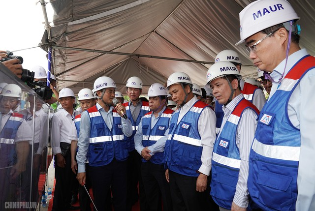 Thủ tướng thị sát dự án tuyến metro đầu tiên của TPHCM - Ảnh 2.