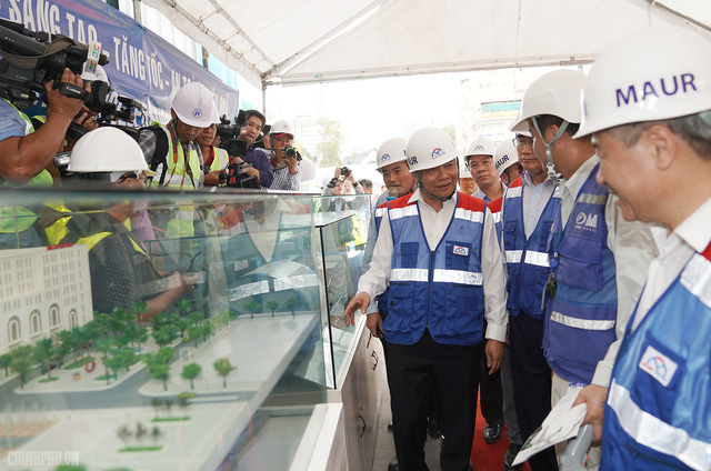 Thủ tướng thị sát dự án tuyến metro đầu tiên của TPHCM - Ảnh 6.