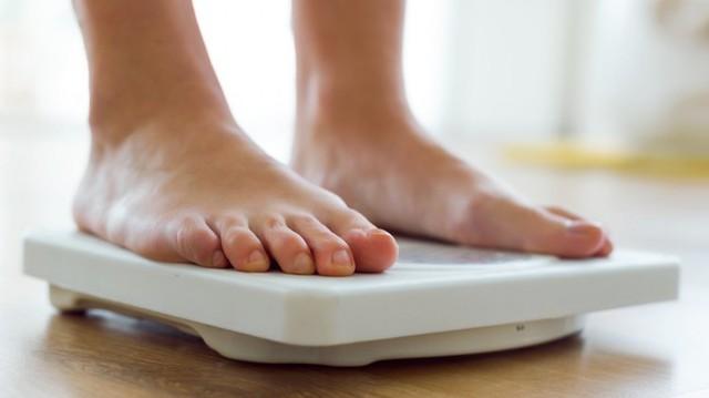 Ngủ dưới 6 tiếng/ngày khiến bạn có nguy cơ phải đối mặt với hàng loạt vấn đề sức khỏe - Ảnh 1.