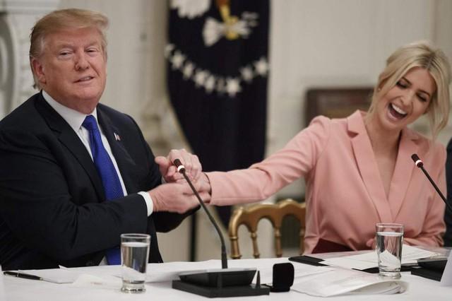 Tổng thống Trump từng xem xét đề cử con gái làm Chủ tịch Ngân hàng Thế giới - Ảnh 1.