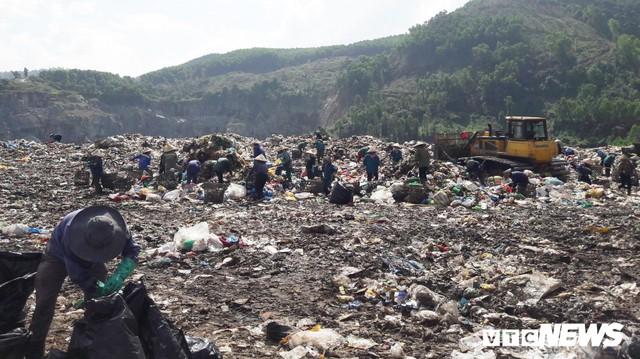 Lo Đà Nẵng trở thành 'thành phố chết' vì rác, chủ tịch Huỳnh Đức Thơ chỉ đạo khẩn - Ảnh 1.