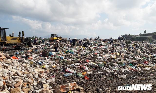Lo Đà Nẵng trở thành 'thành phố chết' vì rác, chủ tịch Huỳnh Đức Thơ chỉ đạo khẩn - Ảnh 3.