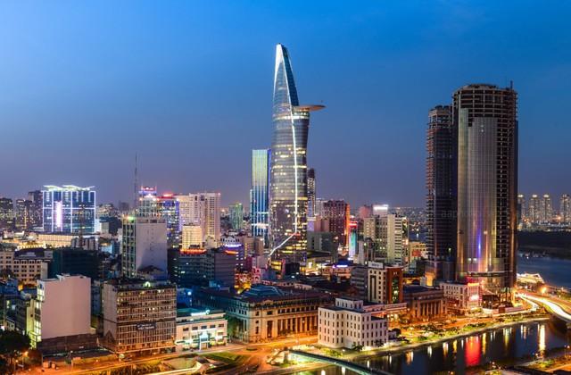 Áp đảo Lotte và AEON, Vincom có 1,2 triệu mét vuông bất động sản, chiếm 60% thị phần trung tâm thương mại ở Hà Nội và Thành phố Hồ Chí Minh - Ảnh 1.