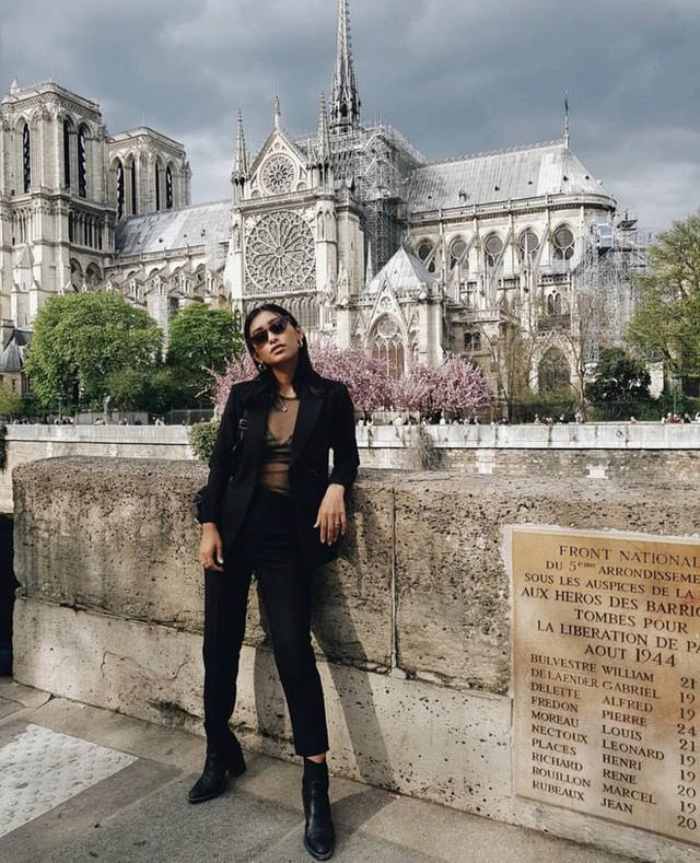 Trước khi sụp đổ một phần vì vụ cháy chấn động, Nhà thờ Đức Bà ở Paris từng là biểu tượng bình yên của cả nước Pháp - Ảnh 13.