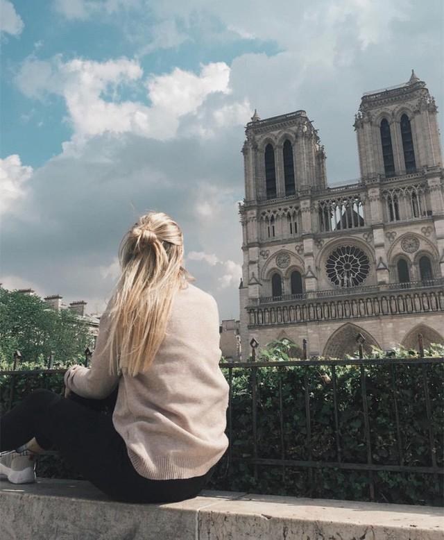 Trước khi sụp đổ một phần vì vụ cháy chấn động, Nhà thờ Đức Bà ở Paris từng là biểu tượng bình yên của cả nước Pháp - Ảnh 16.