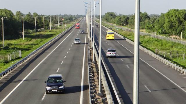 Đề xuất xây đường vành đai 4 TP.HCM rộng 8 làn xe, đầu tư giai đoạn 1 hơn 7.000 tỷ đồng - Ảnh 1.