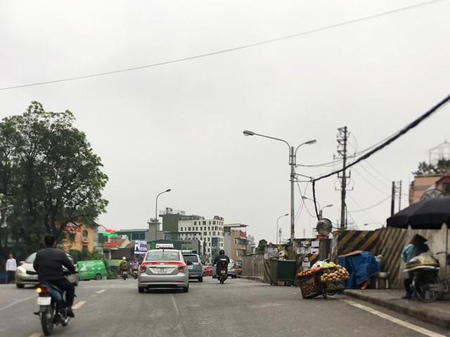 Hà Nội: Quận Long Biên tốn kém lắp camera để làm... màu? - Ảnh 13.